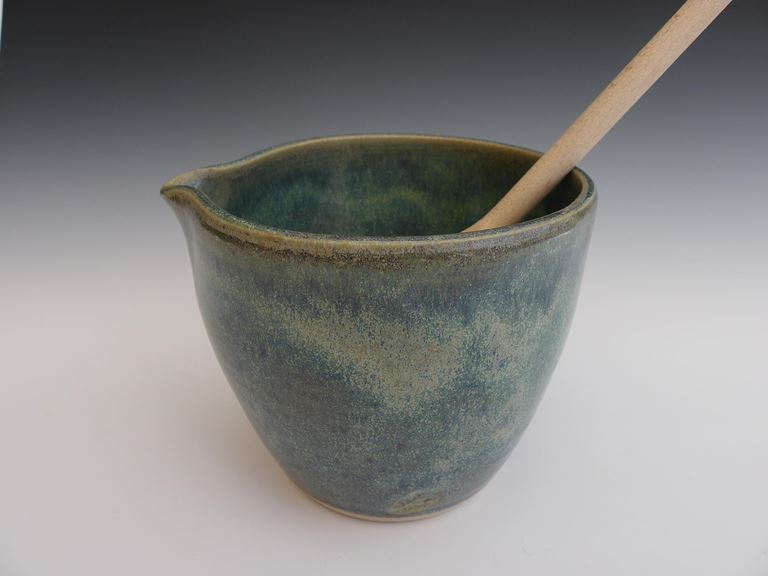 Small mixing bowl.